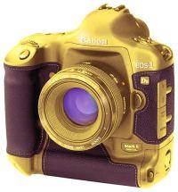 Кому фотоаппараты из золота???