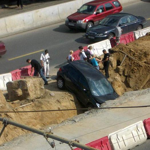 Наконец-то открыты новые места для парковки блондинок